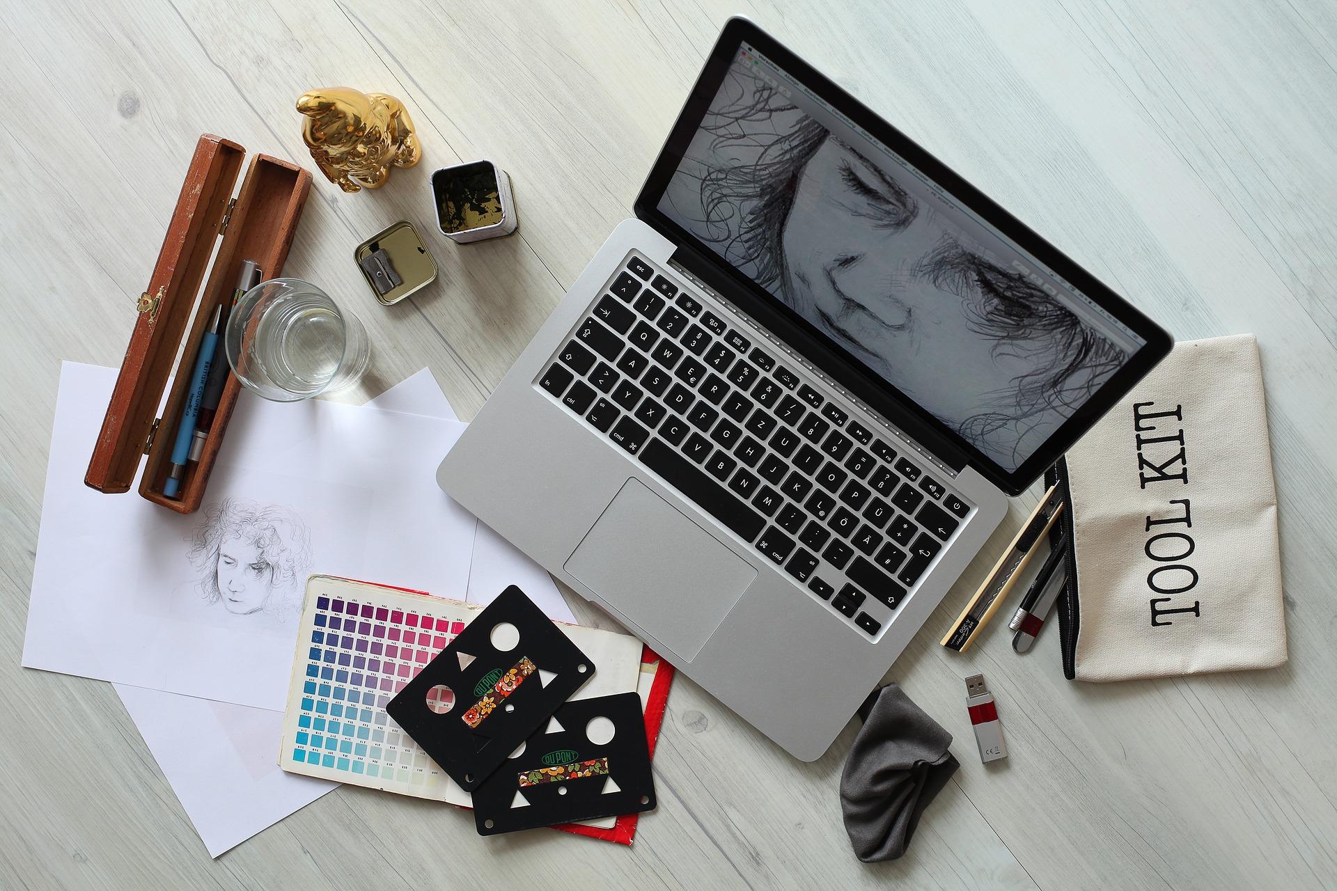 Práce grafického designera