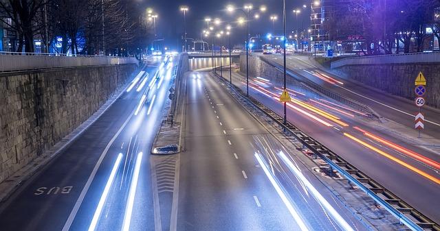večerní městský provoz.jpg